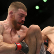 Хукер одолел Фелдера в главном бою UFC Fight Night 168