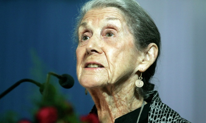 life in south africa nadine gordimer How can the answer be improved.